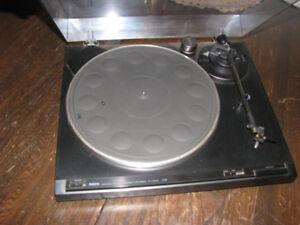 elctronique  YAMAHA   table tounante