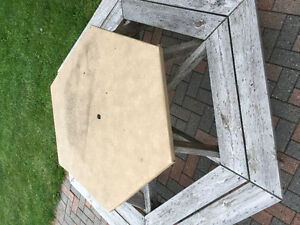 Octagon Picnic Table Cornwall Ontario image 1