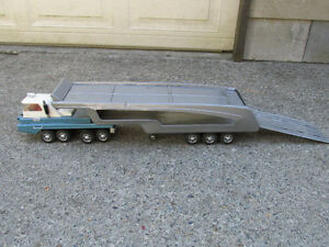 VINTAGE JAPAN TURNPIKE TRUCK CAR HAULER TRAILER RAMP