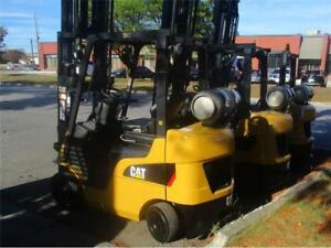 chariot élévateur Caterpillar 5000 model 2C5000 forklift 2012 indoor/outdoor lift liquidation avec S/S on sale