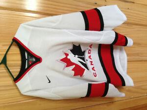 Chandail hockey team Canada neuf