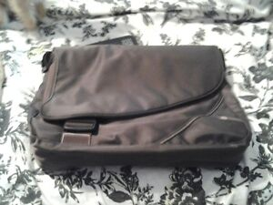 BRAND NEW HP LAPTOP BAG