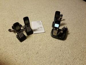 4 Panasonic cordless telephones