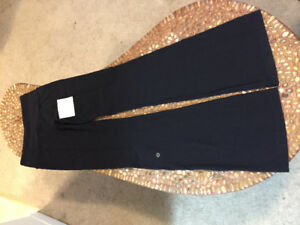 Lululemon Reversible Pants (Size 2)