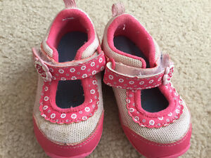 Pink Oshkosh shoes toddler size 7