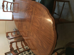 Solid Oak table 6 chairs