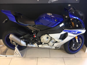 2015 Yamaha R1, Low KM's with OEM adds!