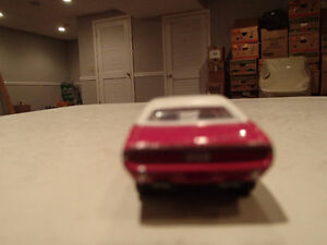Loose Panther Pink 1970 '70 DODGE CHALLENGER R/T by JOHNNY LIGHT Sarnia Sarnia Area image 10
