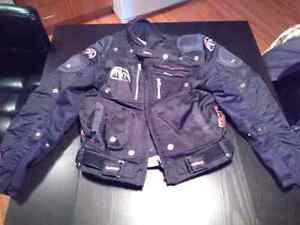 Manteau Black Demon medium 50$