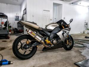 Kawasaki Zx-10R 2005 modifié Unique