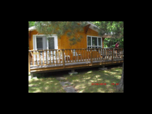 Cottage at Falcon Lake--September Long Open!