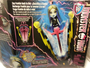 monster high 2014 freaky fusion recharge chamber - new