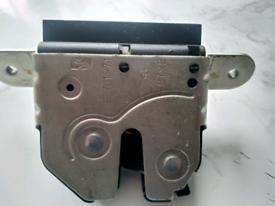 Fiat 500 2015 boot lock mechanism