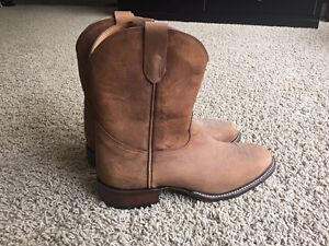 Men's cowboy boots size 10 extra wide
