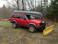 Sexy redneck jeep with canoe to escape