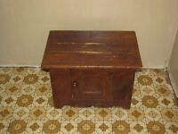 Antique commode an toilet