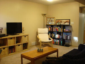 Spacious Grovenor Suite with Office and Sauna Edmonton Edmonton Area image 6