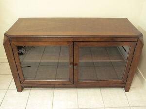 Meubles en bois - meuble télé et petite table