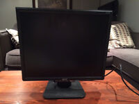 """Acer 18 """" monitor"""
