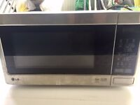 LG Microwave 900W Very Good Condition