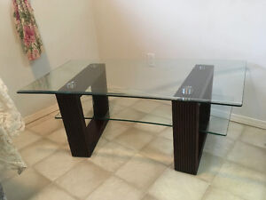 Coffee table-glass top