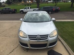 06 Jetta w/ set of winter tires and NAV