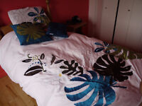 Housse de lit simple avec couette de duvet d'oie