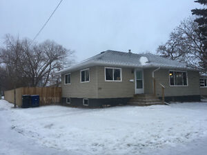 2 Rooms for Rent in Three Bedroom MainFloor Suite near UofS