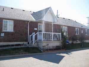 #8-243 FENNELL AVE. E.