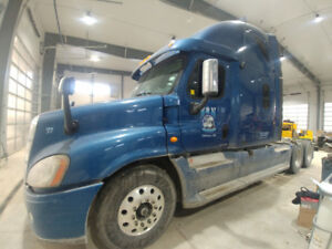 2010 Freightliner Cascadia *reduced price*