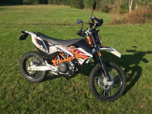 Showroom KTM 690 Enduro