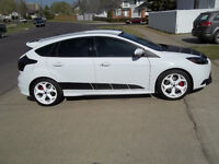 2014  FOCUS ST ORIGINAL OWNER 2000KMS ONLY