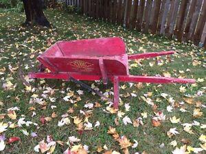 Brouette Erie wheelbarrow