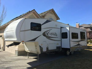 2007 Sandpiper by Forest River Fifth Wheel Travel Trailer