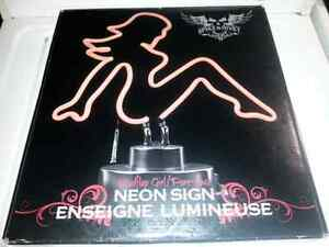 Enseigne lumineuse de femme, lumière neon style pin-up,girl neon
