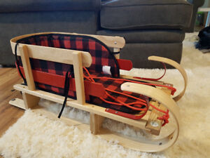 GRIZZLY Heritage Kids - Wooden Sled -New without box retail $199