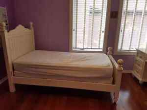Wooden bedroom set, bed, mattress, drawer chest, desk & chair