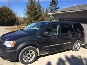 2012 Chrysler Town & Country Minivan, Van
