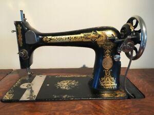 ANTIQUE VINTAGE SINGER TREADLE SEWING MACHINE