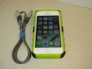 Apple iPhone 5 16GB White - Locked to Rogers