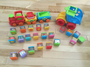 Fisher Price Peek-a-blocks collection. En bonne condition.