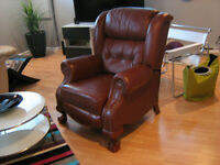 Chaise de cuir inclinable