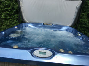 Jacuzzi J465 6-person Hot Tub w/lounger