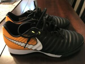 f18e39c47 Men s Nike Tiempo indoor soccer shoes - Excellent condition!