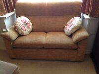Parker Knoll 2x2 Seater Settee /Sofa/Suite