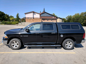 Dodge Ram 1500 4X4 Crew Cab 2009 with cap