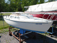 Online Auction - 22 foot Catalina Full Keel Sailboat