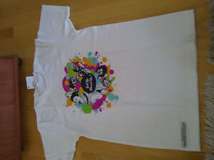 Unisex graphics white t-short crewneck Brand new with tags London Ontario image 1