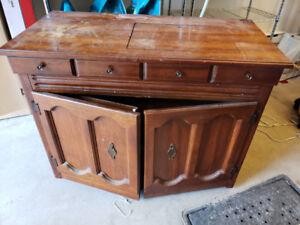 Vieux meuble machine a coude a donner