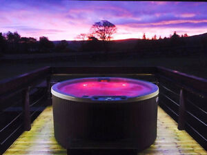 627M | Chic Round Hot Tub | To fit ANY BUDGET | FACTORY HOT TUBS